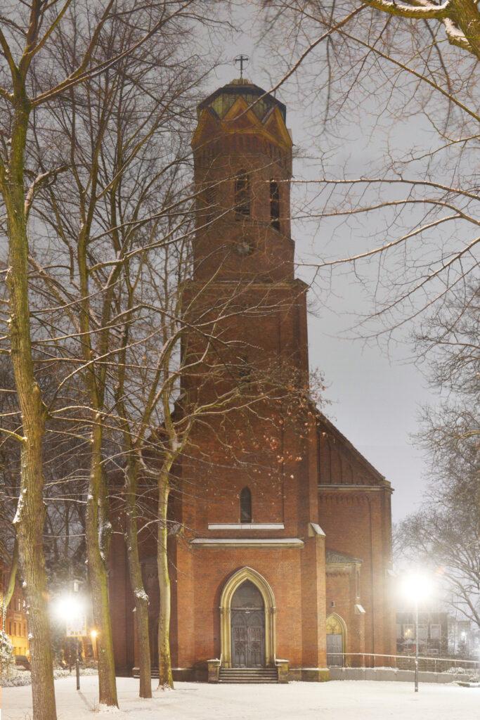pauluskirche-im-schnee